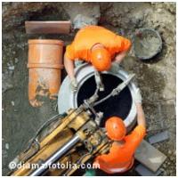 Sicheres Arbeiten an und in abwassertechnischen Anlagen