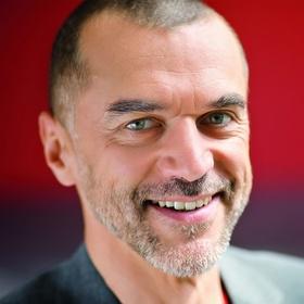Trainer, Speaker, Coach Geheimer Verführer Stimme - Arno Fischbacher